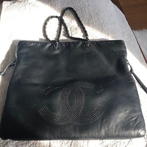 Authentic Chanel lamb leather purse
